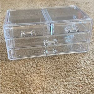 Clear makeup/jewelry holder